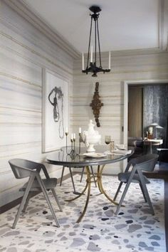 You must see this marvelous dining room witch luxury furniture to help you improve your house decor! See more interior design ideas here www.covethouse.eu