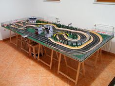 Page 1 of 3 - members layout pictures - posted in tracks & s Ho Slot Cars, Slot Car Racing, Slot Car Tracks, Race Tracks, Las Vegas, Cars 1, Race Cars, Scalextric Track, Slot Machine Cake