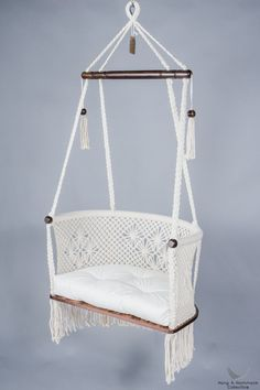 Hanging Chair In Macrame In Cream