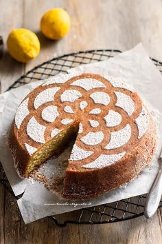Caprese al limone, la ricetta originale passo passo – Lemon and Almond cake – Or… Köstliche Desserts, Delicious Desserts, Cake Original, Original Recipe, Sweet Recipes, Cake Recipes, Torte Cake, Best Italian Recipes, Funfetti Cake