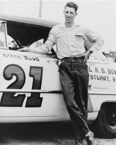 May 1953 Wood Brothers' first Grand National race; Glen Wood was the driver. Photo Credit: Don Smyle. Grand National Race, Old Race Cars, Vintage Race Car, Nascar Racing, Ford Gt, Bad Boys, Chevrolet Logo, Photo Credit, Classic Cars