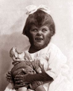 Werewolf child girl with creepy doll Fete Halloween, Halloween Photos, Creepy Halloween, Vintage Halloween, Creepy Kids, Victorian Halloween, Halloween Countdown, Halloween 2019, Halloween Stuff