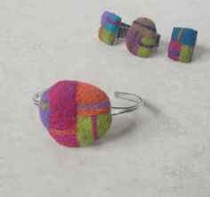 Zazzy Peacock Studios: Fun Felted Color Block Jewelry for Summer