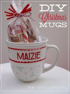 diy christmas mugs from kiki and company with free printable #christmas #diy