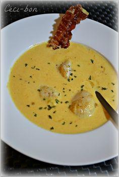 Soupe au potiron et poireau avec noix de St Jacques et lard frit