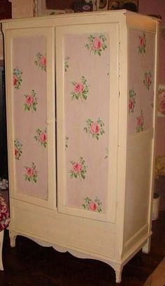 CHARMING VINTAGE ROSES WALLPAPER ARMOIRE WARDROBE COTTAGE FURNITURE SHABBY CHIC STORAGE ON HOLD FOR criller