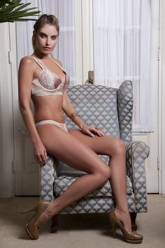 lingerie em renda e cetim/  lingerie and lace satin