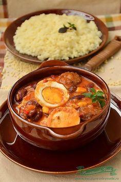 Tocanita de Oua Steak Recipes, Egg Recipes, Seafood Recipes, Cooking Recipes, Hungarian Recipes, Russian Recipes, My Favorite Food, Favorite Recipes, Romanian Food