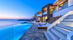 Holiday villa rental in Chania. Luxury seafront holiday villa with private pool near Chania. Glyfada Greece, Luxury Villas In Greece, Crete Hotels, Costa, Mega Mansions, Villa With Private Pool, Luxury Villa Rentals, Lounge, Arquitetura