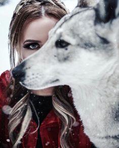#girlskill #womenwhorunwiththewolves #femininity #female #energy