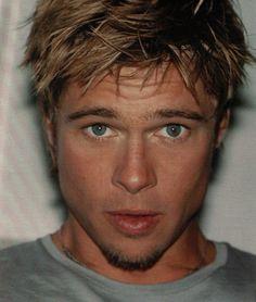 Immagine 12434 per il personaggio Brad Pitt: primo piano di Brad Pitt. Le migliori immagini scaricabili in alta risoluzione o navigabili direttamente sul sito