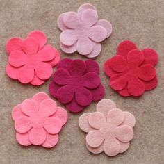 There are 24 flowers in total. In this set you will find two each of large and medium in: Felt - Fuchsia, Shocking Pink, Bubblegum, Cotton Candy, Felt Flowers Patterns, Fabric Flowers, Paper Flowers, Felted Wool Crafts, Felt Crafts, Children Boutique Display, Felt Flower Wreaths, Felt Headband, Pink Poppies