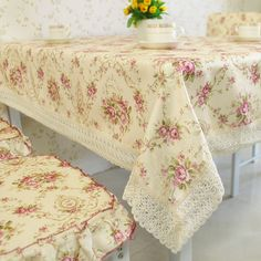 home decor: floral printed cloth -I bet a vintage sheet and lace would work fine!