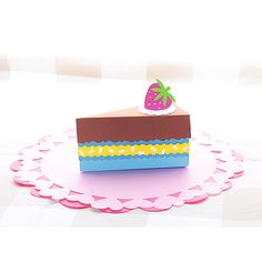 Tort DIY #zabawa #urodziny #upominek #prezent #creative #fun #kids #dekoracje #moje #bambino  http://www.mojebambino.pl/ozdobne-papiery-tektury-bibuly/5333-karton-fakturowy-10-arkuszy-o-wym-50-x-70-cm-bialy.html