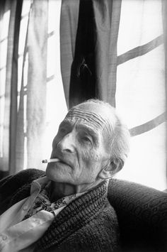 Henri Cartier-Bresson SWITZERLAND. Canton of Vaud. Rossiniere. 1990. Painter BALTHUS at his home. Learn Fine Art Photography - https://www.udemy.com/fine-art-photography/?couponCode=Pinterest10