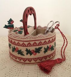 Holly Sewing Basket by Mani di Donna. Does not include embroidered rick-rack.