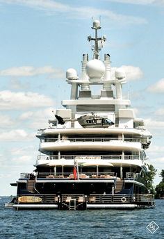 Yacht Life Gentleman's Essentials Super Yachts, Big Yachts, Yacht Design, Yachting Club, Bateau Yacht, Private Yacht, Yacht Interior, Interior Design, Cool Boats