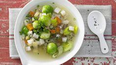 Schmeckt deftig auch ohne Fleisch: Tofu-Gemüse-Topf mit Kartoffeln   http://eatsmarter.de/rezepte/tofu-gemuese-topf