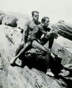 Besties Luis Buñuel and Salvador Dali at the beach