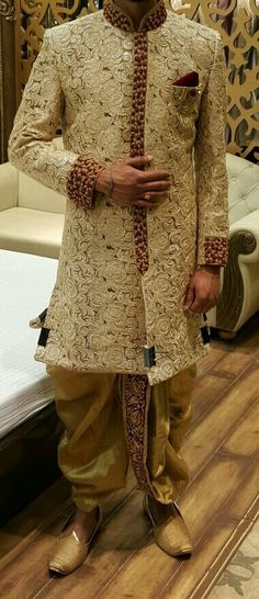 Anshull very rich looking for wedding Wedding Dress Men, Indian Wedding Outfits, Wedding Suits, Indian Outfits, Indian Weddings, Boho Wedding, Wedding Reception, Farm Wedding, Wedding Couples