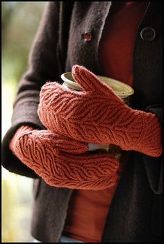 Would love to knit these mittens!  Grove by brooklyntweed, via Flickr