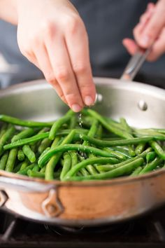 How to Cook Green Beans. For perfectly cooked green beans that are flavorful, crisp, and tender, you have to employ a quick two-step technique. Here's how to make a delicious quick and easy dinner side dish for chicken, pork, steak, or fish that everyone will love. Lots of ways to flavor them too which make them an outstanding way to eat more vegetables.