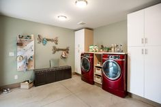Tour Blog Cabin's Laundry Room and Mudroom >> http://www.diynetwork.com/blog-cabin/2015/laundry-room-and-mudroom-pictures-from-diy-network-blog-cabin-20-pictures?soc=pinterestbc15