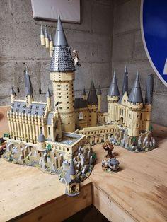 Lego Harry Potter Hogwarts Castle Set for sale online Magia Harry Potter, Harry Potter Dolls, Harry Potter Wizard, Harry Potter Decor, Harry Potter Hermione, Lego Hogwarts, Hogwarts Great Hall, Lego Minifigure Display, Lego Display