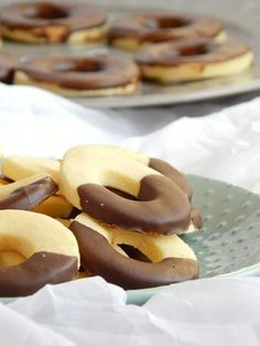 Cornstarch rings - Pastry World Bakery Recipes, Cookie Recipes, Dessert Recipes, Tasty, Yummy Food, Salty Cake, Homemade Cookies, Sin Gluten, Cupcake Cookies