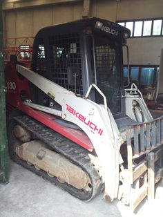 Takeuchi TL 130 High Flow 1392 hrs Forks Bucket Cab with removal glasses High flow Original paint Road homologation First owner 2008  Perfect conditions.