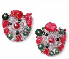 Pair of «Tutti Frutti» clip brooches Cartier New York, 1929. Platinum, white gold, diamonds, rubies, emeralds, enamel. Cartier Collection.   Moscow Kremlin Museums: - India. Jewels that Enchanted the World