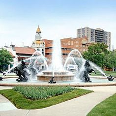 Google Image Result for http://www.countryclubplaza.com/Resource_/PageResource/Scenery/plaza-fountain.jpg