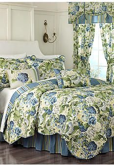 Waverly� Floral Flourish Quilt Collection
