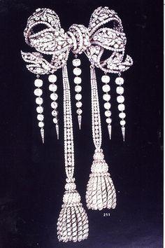 diamants de la couronne de france  galerie d'apollon au louvre  noeud de la grande ceinture
