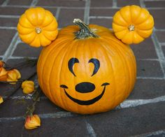 I absolutely love Halloween time at Disneyland. By making this Mickey pumpkin, you can bring Disney Halloween magic to your own home. While at Disneyland earlier this October, I visited the Halloween Carnival at Big Thunder Ranch where I came across a Mickey pumpkin that inspired this design. When it came to making decorations for Halloween, I decided that this would be the perfect touch for our front porch. I especially like that this design requires no carving, which allows this pumpkin…