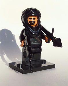 NEW CUSTOM LEGO BATMAN WEAPONS SOLDIER BAD GUY W/ TAN HEAD & HANDS TERRORIST #LEG0