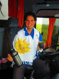 Frédéric Mathieu con el termos y mate de Uruguay- Montevideo (20/10/2013)