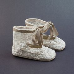 Even the flower girl and baby attendee can dress for the occasion! Handmade Baby shoes by Vibys on Etsy