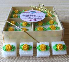 *16 romantische Würfel Zucker für z.Bsp. Ihre Hochzeit*   *Dekorieren Sie Ihre Festtagstafel mit diesen zitronengelben Rosenblüten und begeistern Sie Ihre Gäste!