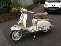 My Series 2 all ready for this years Mod Events. Piaggio Scooter, Vespa Bike, Mod Scooter, Vespa Lambretta, Vespa Scooters, Italian Scooter, Motor Scooters, Sidecar, Back In The Day
