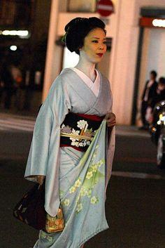 An interesting photo of geiko Mamesuzu by fortherock, via Flickr