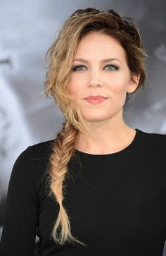 Skylar Grey- love her makeup and hair in this picture!