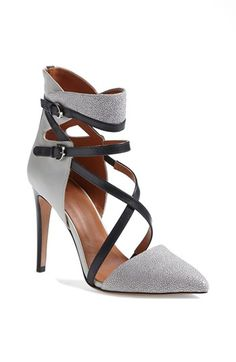 Rebecca Minkoff 'Raz' Pump (Online Only) shoes Dream Shoes, Crazy Shoes, Me Too Shoes, Shoes For Work, Pretty Shoes, Beautiful Shoes, Zapatos Shoes, Moon Boots, Hot Shoes
