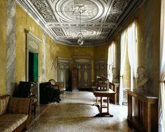 Massimo Listri - Works - Portraits of Interiors.Castello di Pralormo-Torino