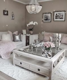 30 Incredibly Charming Pink Living Room Design Ideas - Home Bigger Romantic Living Room, Living Room Decor On A Budget, Living Room Decor Inspiration, Glam Living Room, Elegant Living Room, Cozy Living Rooms, Rugs In Living Room, Living Room Designs, Living Spaces