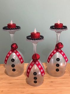 + Enjoyable And Simple Christmas Crafts To Make With Youngsters - Home by top Snowman Christmas Decorations, Christmas Crafts To Make, Christmas Centerpieces, Christmas Snowman, Simple Christmas, Christmas Projects, Holiday Crafts, Christmas Candle, Snowman Crafts
