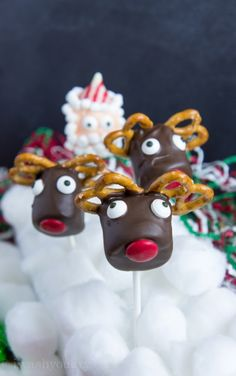 Reindeer Marshmallow Pops (and Santa and Snowman)