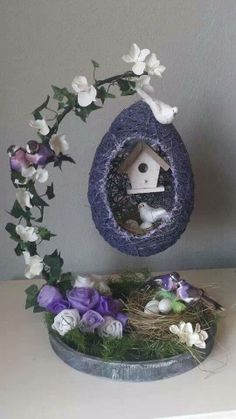 45 Festive Indoor Easter Decoration Ideas and Projects – HERCOTTAGE - bastelideen weihnachten Jute Crafts, Diy Home Crafts, Holiday Crafts, Crafts For Kids, Easter Projects, Easter Crafts, Easter Décor, Diy Easter Decorations, Christmas Decorations