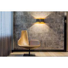 Modular Duell wandlamp. De Duell wandlamp van @supermodular geeft door zijn ronde vorm elke kamer een zachte, vriendelijke uitstraling. #verlichting #wandlamp #lampen #design #Flinders