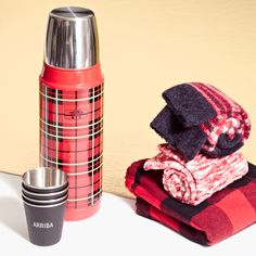 holiday gift picks for the girl who actually likes to go camping: madewell thermos® compact bottle, izola™ shot glass set + marled trouser socks. #giftwell